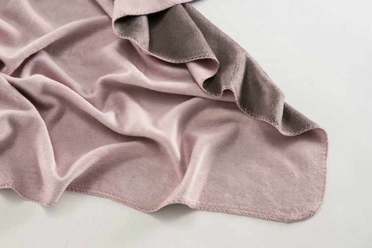 Bamboo Lavendar Plain Throw